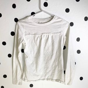 Tops - 🌈5/$25🌈White long sleeve small ruffle